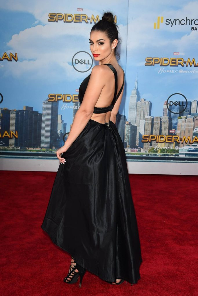 ashley-iaconetti-at-spiderman-homecoming-premiere-in-los-angeles-06-28-2017_26
